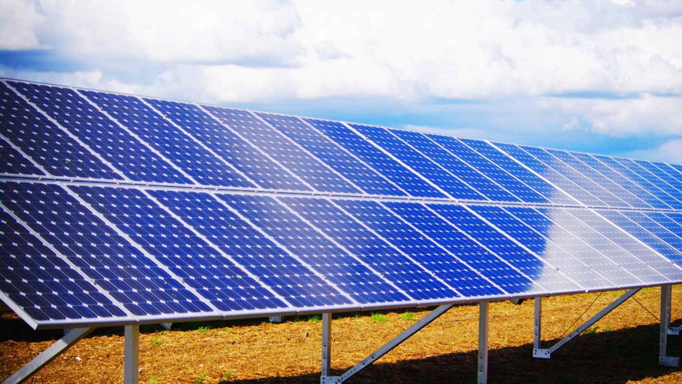 Solar-panel-array-rooftop